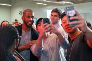 NBA球星与社交媒体明星Chris Paul