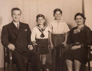 Abrahamian家庭