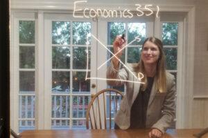 南加州大学Emily Nix教授DIY制作灯板进行在线教学