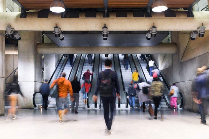 步速的快慢可揭示身体健康状况-南加州大学中文官网