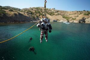 NASA宇航员在南加大岛屿科学中心接受太空探索训练-南加州大学中文官网