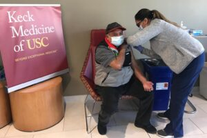 南加大开办社区新冠疫苗诊所解决疫苗接种不公平问题-南加州大学中文官网