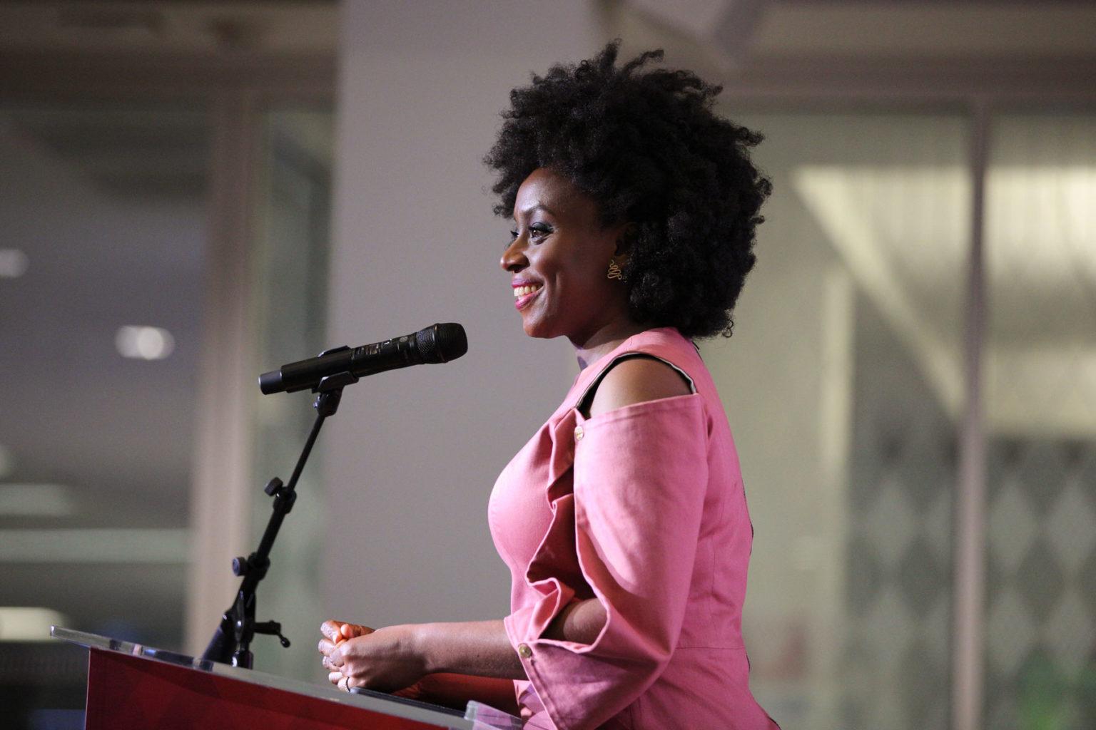 USC校园名人 Chimamanda Ngozi Adichie -南加州大学中文官网